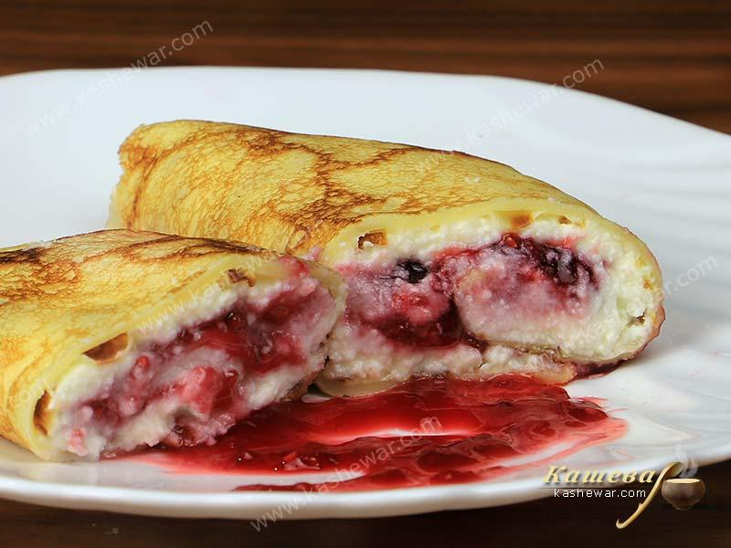 Pancakes with cottage cheese and raspberries – recipe photo, russian cuisine