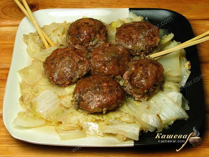 Lion's head meatballs – recipe with photo, Chinese cuisine