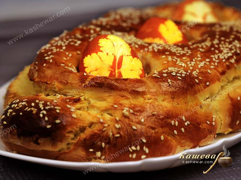 Tsoureki (Greek Easter Sweet Bread)