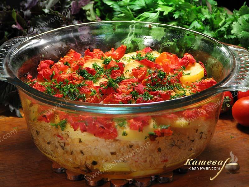 Potatoes baked with rice and tomatoes – recipe with photo, Greek cuisine