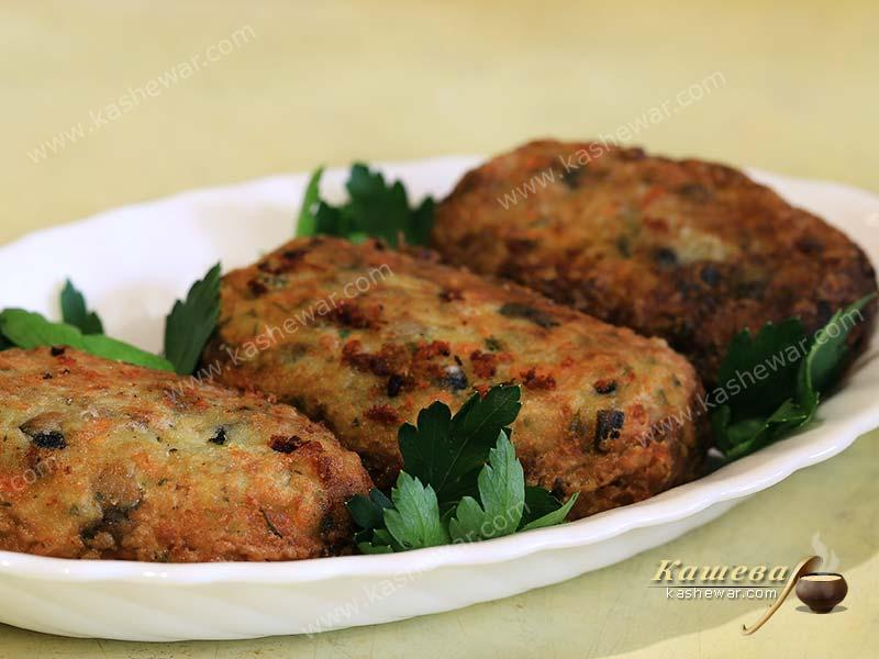 Potato and Mushroom Cutlets