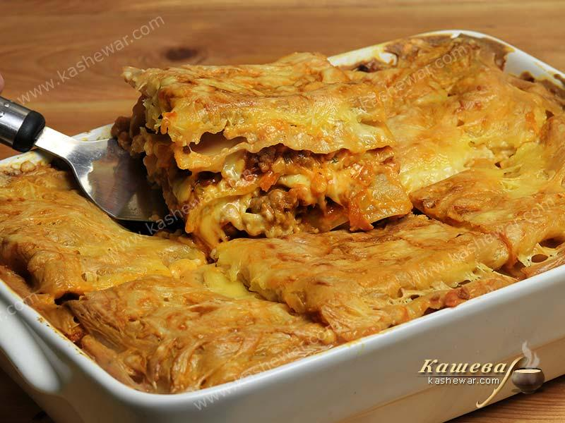 Lasagne with Bolognese sauce – recipe with photo, Italian cuisine