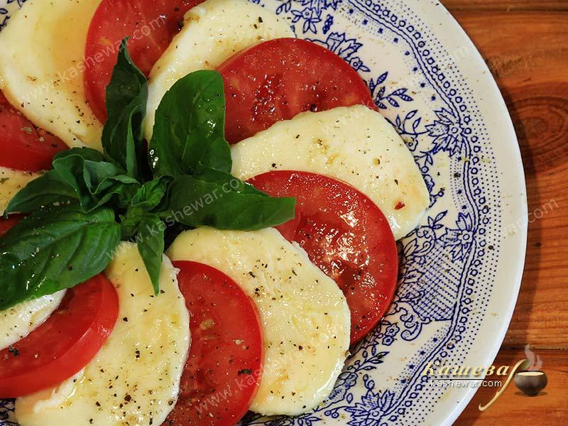 Caprese salad – recipe with photo, Italian cuisine