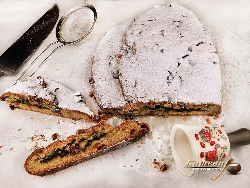 Christmas Stollen (Weihnachtsstollen) – recipe with photo, German cuisine