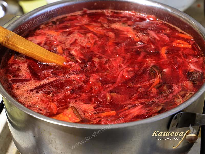 Borsch with dried white mushrooms