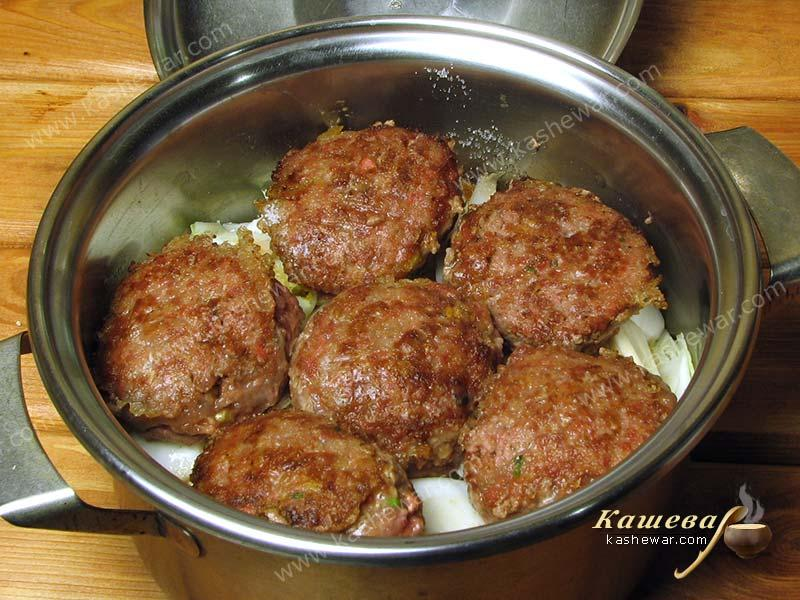 Cooking the lion's head meatballs