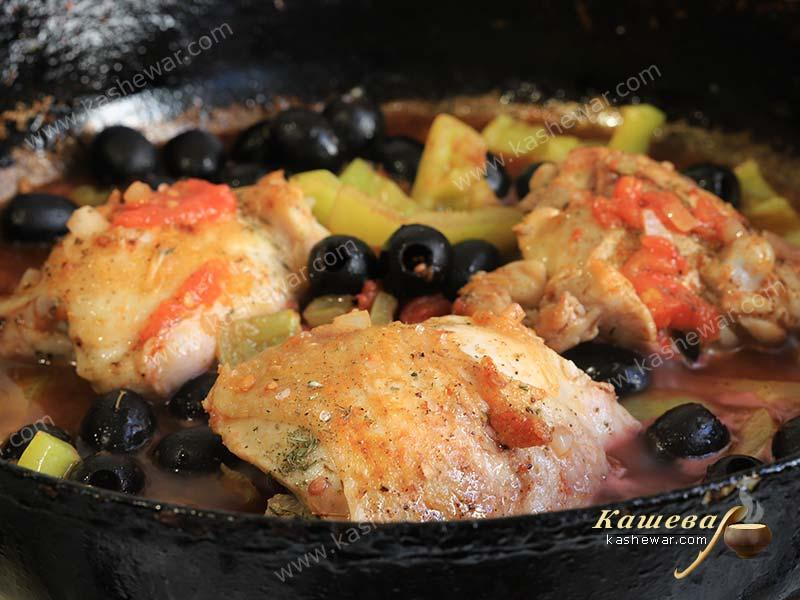 Chicken in red wine with vegetables