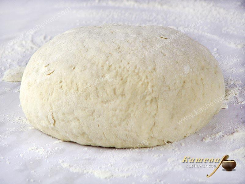 Divide the dough into 10-12 pieces
