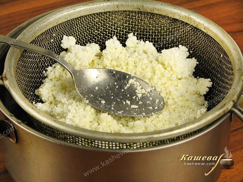 Grind the cottage cheese through a sieve