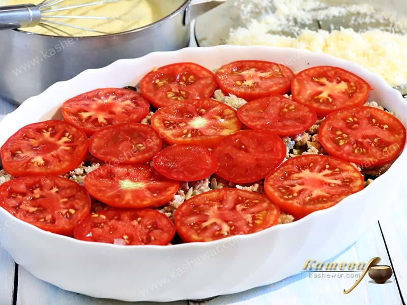 Layer of tomatoes