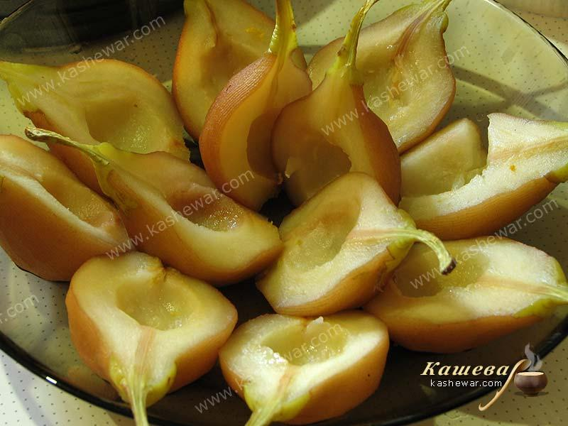 Preparing the pears for the pie