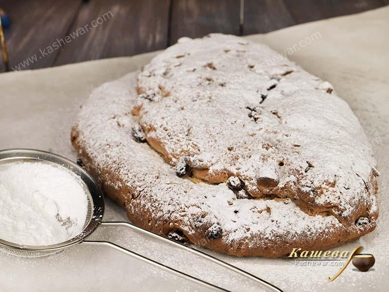 Stollen under a layer of powdered sugar