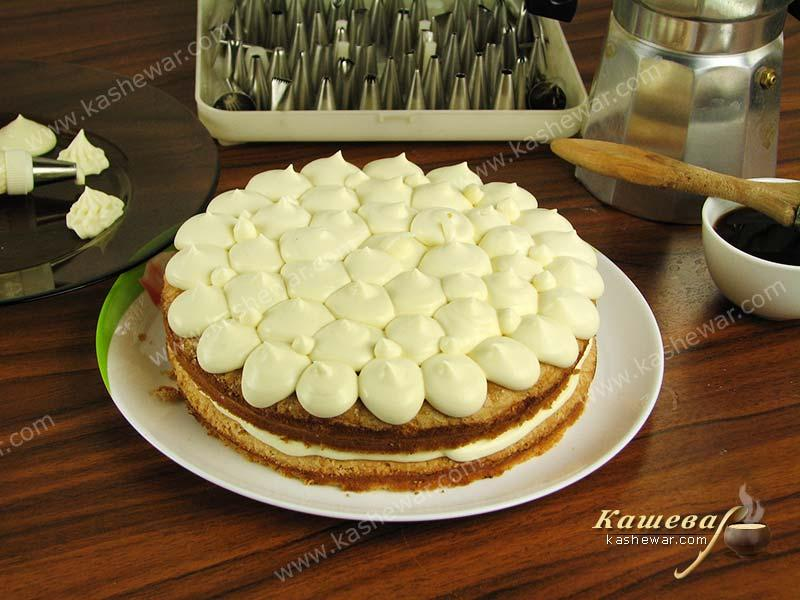 Tiramisu cake decoration
