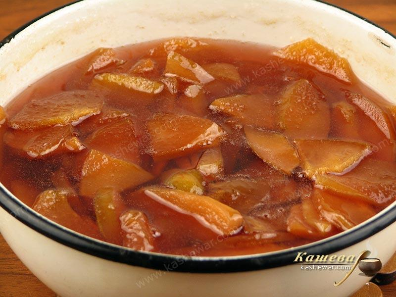 Ready-made quince jam