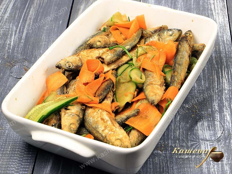 Fried small fish in marinade