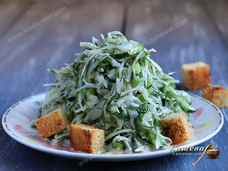 Green salad with croutons – recipe with photo, Belarusian cuisine